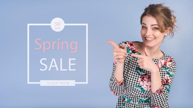 Maquette de vente de printemps avec une femme élégante Psd gratuit