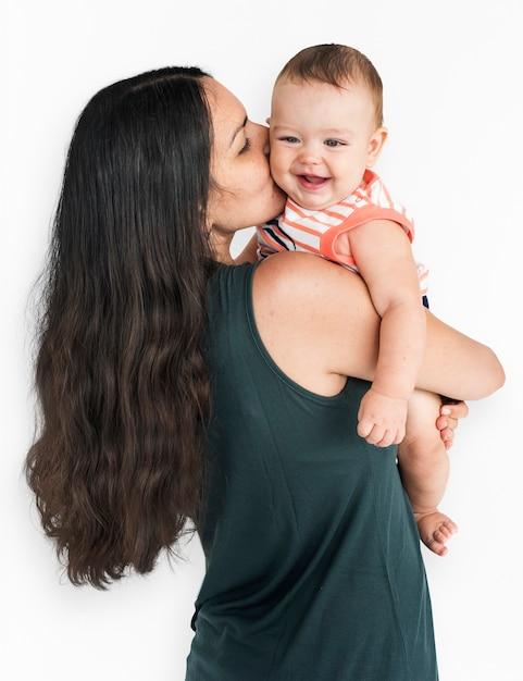 Mère avec bébé studio portrait concept Psd gratuit