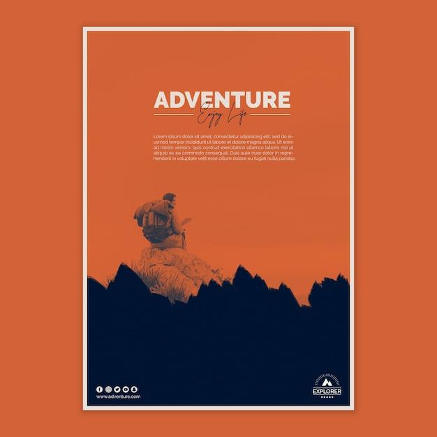 Modèle d'affiche avec concept d'aventure Psd gratuit