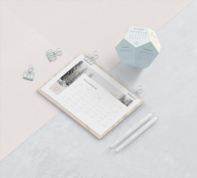 Planche De Bois Et Concept De Calendat Hexagonal Psd gratuit