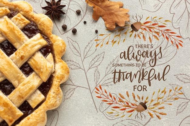 Préparation spéciale pour une délicieuse tarte préparée pour le jour de thanksgiving Psd gratuit