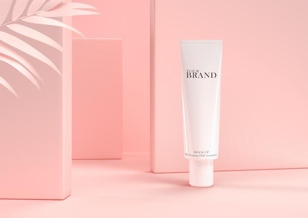Soins de la peau hydratants produits cosmétiques haut de gamme sur le mur de feuilles. PSD Premium