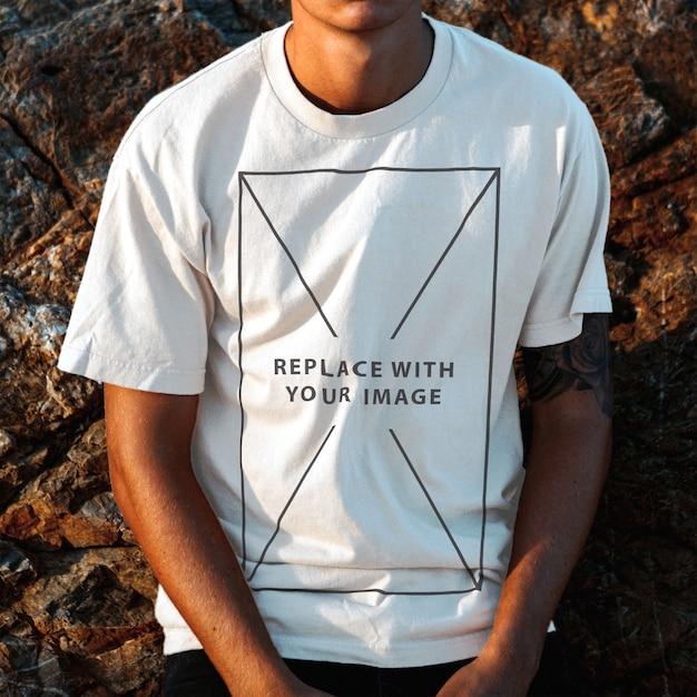 T-shirt Pour Homme Modèle Maquette PSD Premium