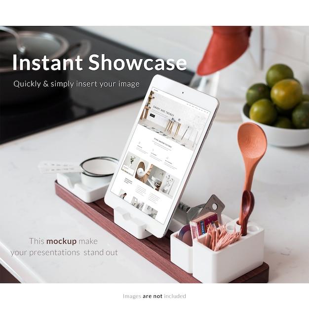 Tablette Avec Des éléments De Cuisine Mock Up Psd gratuit