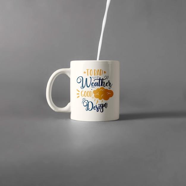Tasse de tasse avec du lait Psd gratuit