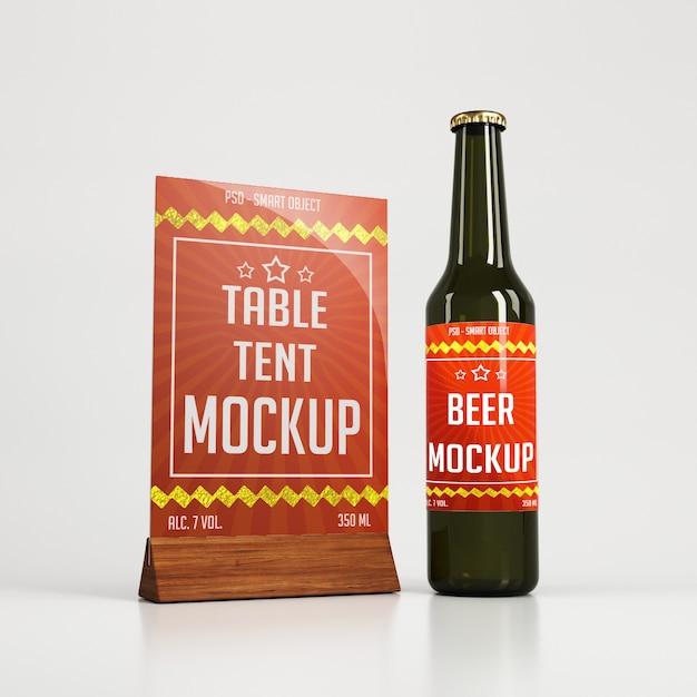 Tente De Table En Verre Avec Support En Bois Et Bouteille De Bière PSD Premium