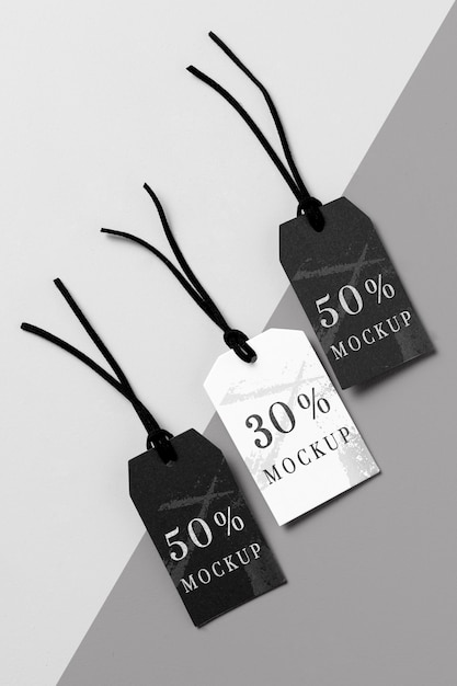 Vue De Dessus Arrangement Maquette D'étiquettes De Vêtements Noir Et Blanc Psd gratuit