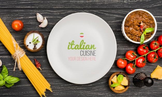 Vue De Dessus De La Cuisine Italienne Sur Fond De Bois Psd gratuit