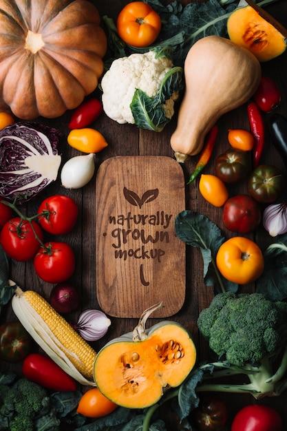 Vue De Dessus De Délicieux Fruits Et Légumes D'automne Maquette Psd gratuit