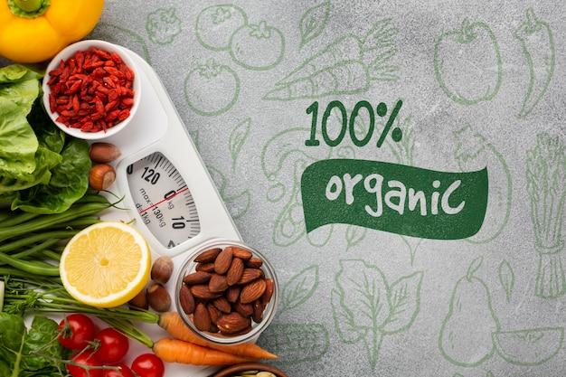 Vue De Dessus Des Légumes Sur Une Balance Psd gratuit