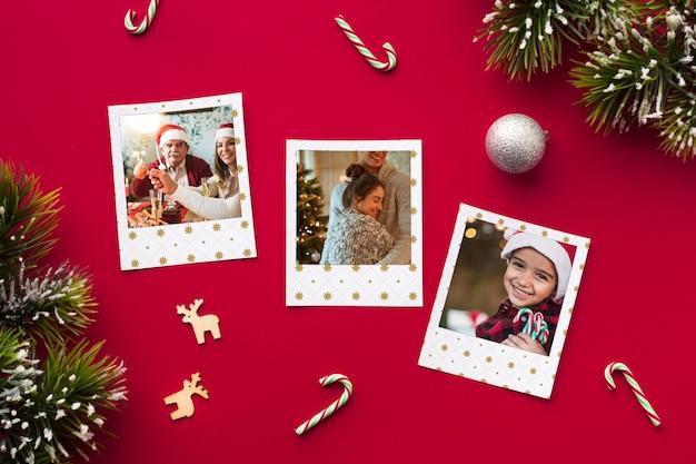 Vue de dessus des photos de famille sur fond rouge Psd gratuit