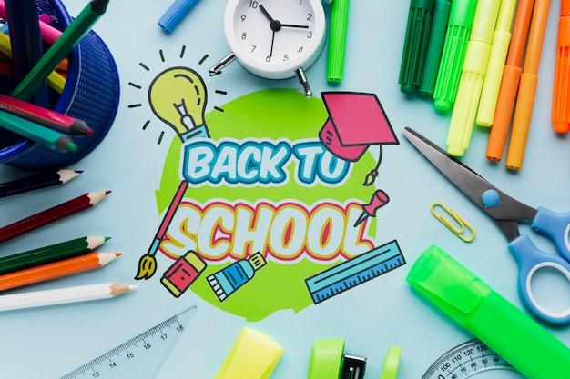 Vue De Dessus Retour à L'école Avec Fond Bleu Psd gratuit