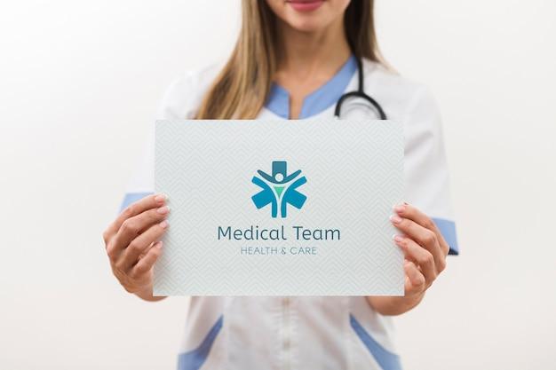 Vue De Face De La Carte De L'équipe Médicale Psd gratuit