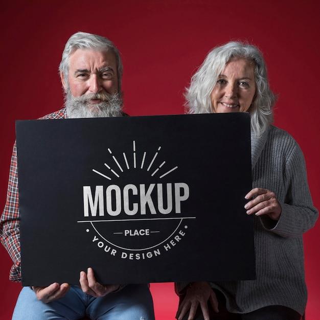 Vue De Face De La Maquette De Couple Senior Psd gratuit