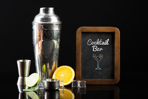 Vue De Face De La Maquette Du Concept De Cocktail Psd gratuit