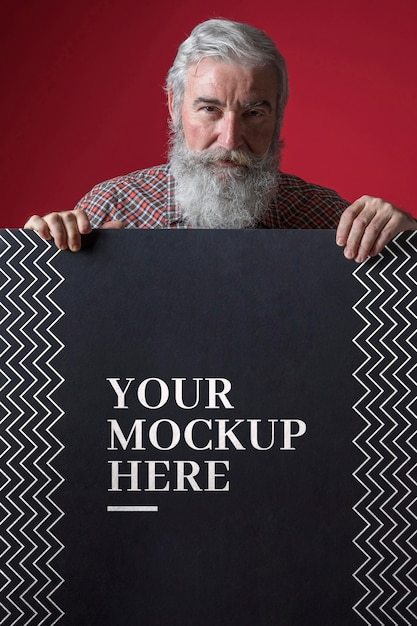 Vue De Face De La Maquette De L'homme Senior Psd gratuit