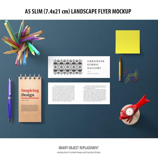 A5 slim landscape flyer mockup Psd grátis