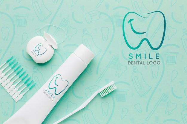 Acessórios para cuidados dentários com maquete Psd grátis