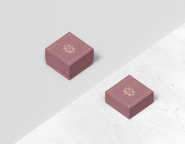 Alta vista de caixas fechadas-de-rosa para jóias Psd grátis
