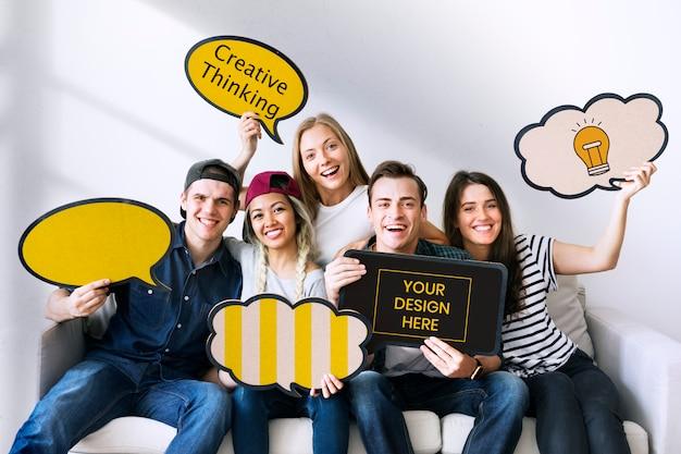 Amigos, com, bolhas, signboard Psd Premium