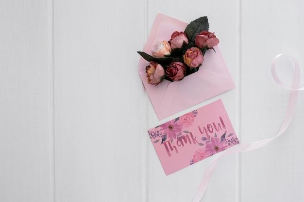 Aquarela de convite de casamento floral maquete Psd grátis