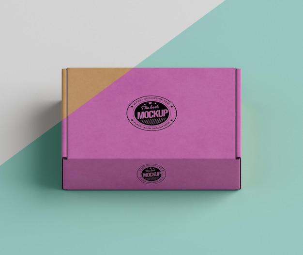 Arranjo de caixa de marca rosa Psd grátis