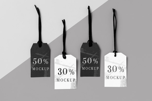 Arranjo mock-up de etiquetas de roupas em preto e branco Psd grátis