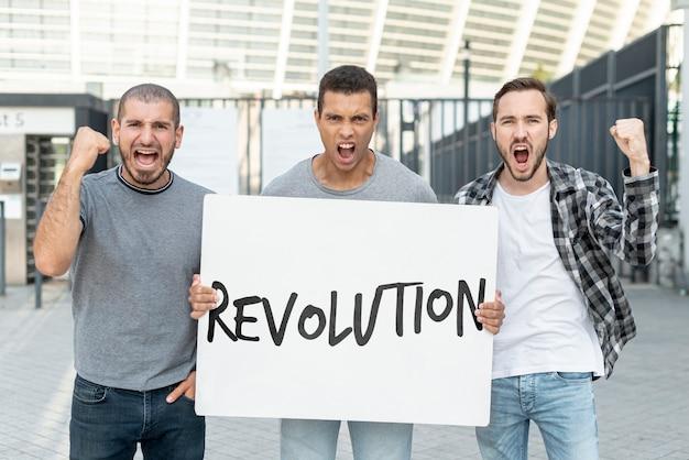 Ativistas irritados com maquete do quadro Psd grátis