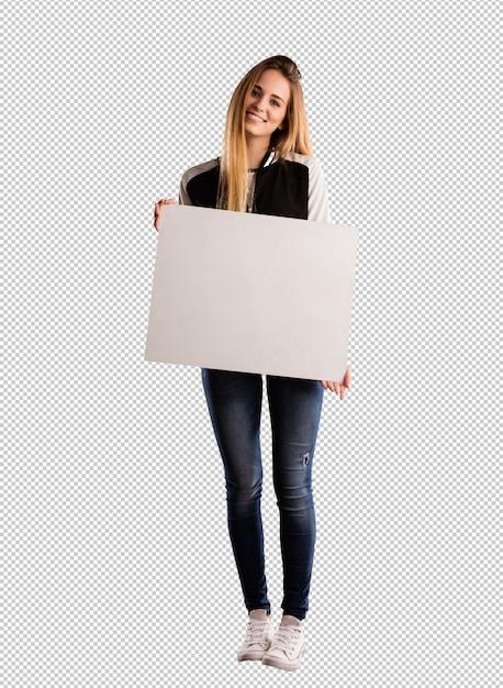 Bela jovem segurando um cartaz Psd Premium