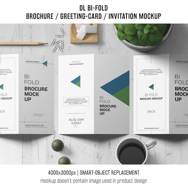 Bi-brochura ou convite maquete com conceito de vida ainda Psd grátis