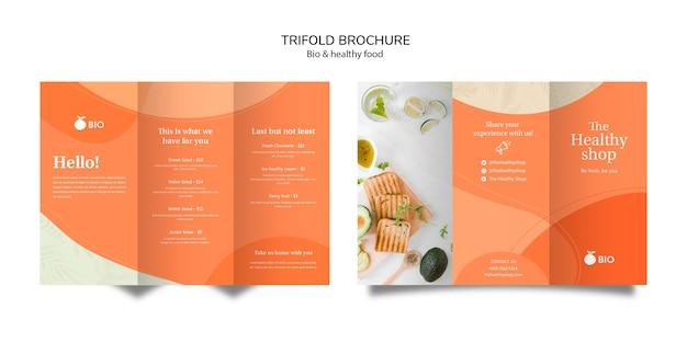 Brochura com três dobras de conceito de comida saudável e bio Psd grátis