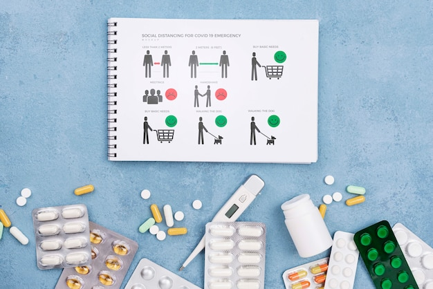 Caderno e coleção de medicamentos Psd grátis