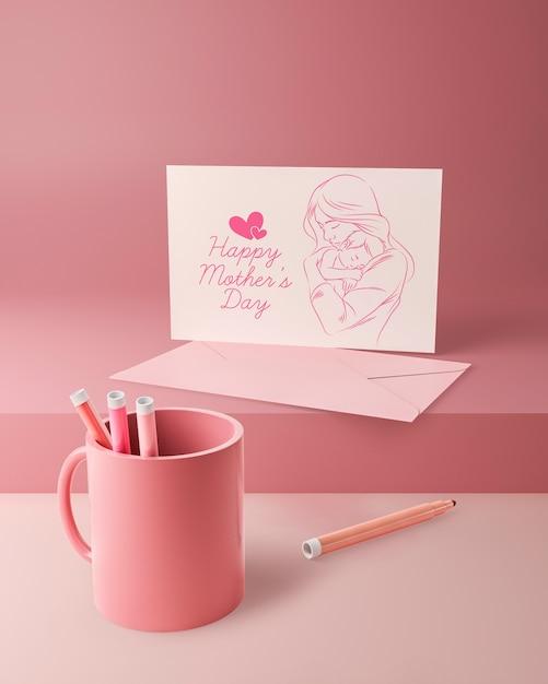 Cartão de amor de dia das mães e caneca com marcadores Psd grátis