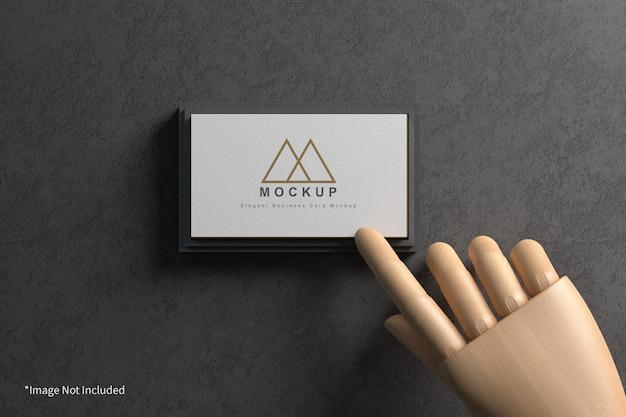 Cartão de visita com maquete de madeira Psd Premium