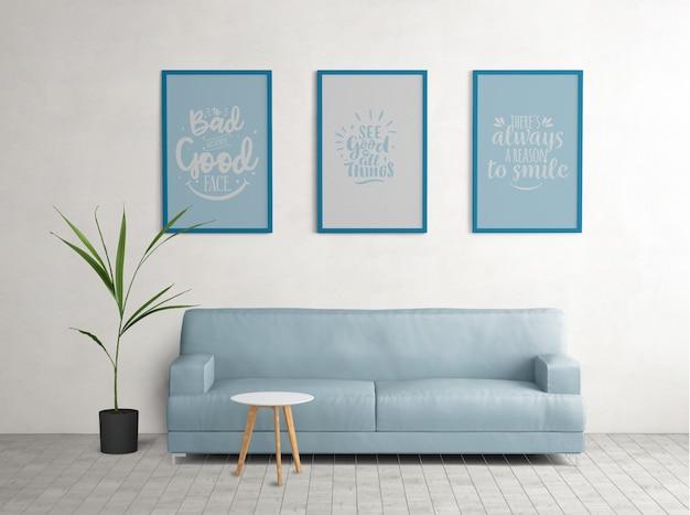 Cartazes emoldurados azuis na sala de estar Psd grátis
