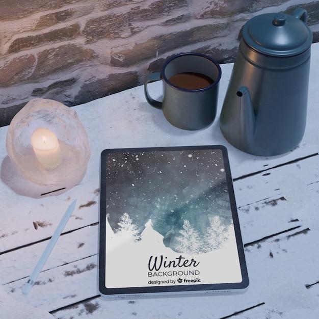 Chaleira com chá para tempo frio Psd grátis