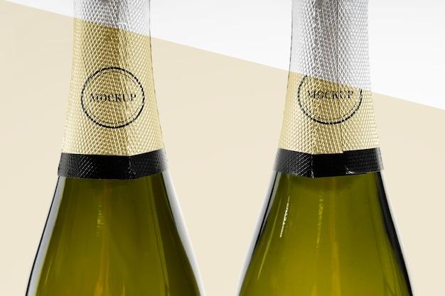 Close-up da maquete da garrafa de champanhe Psd grátis