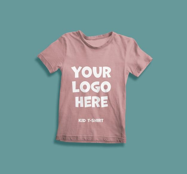 Close-up na maquete de camiseta infantil isolada Psd Premium