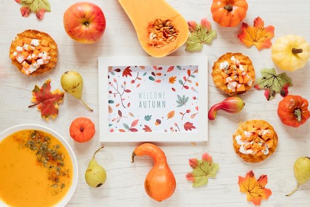 Comida de outono com mock-up emoldurado Psd grátis
