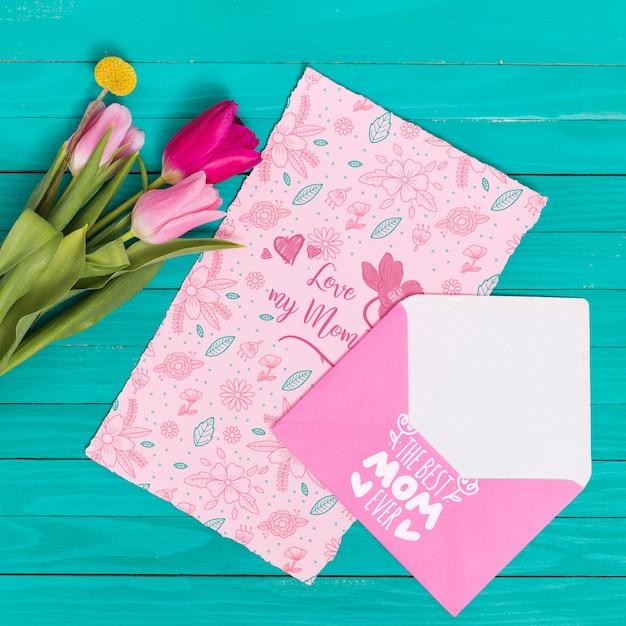 Composição de dia plana leiga mães com maquete de cartão Psd grátis