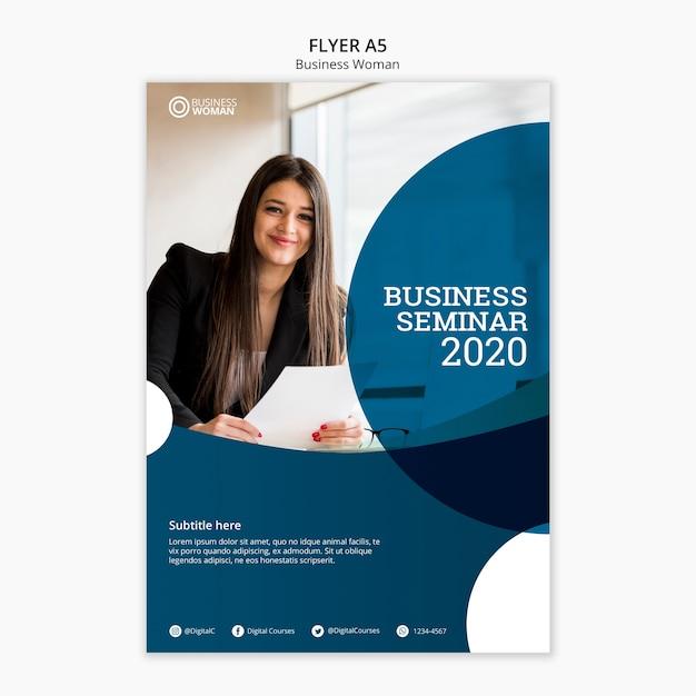 Conceito de panfleto para o modelo de negócios Psd grátis