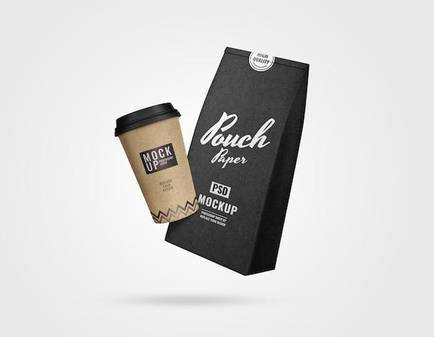 Conjunto de bolsa e xícara de café maquete Psd Premium
