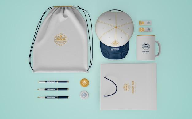 Conjunto de produtos de merchandising com logotipo da empresa Psd grátis