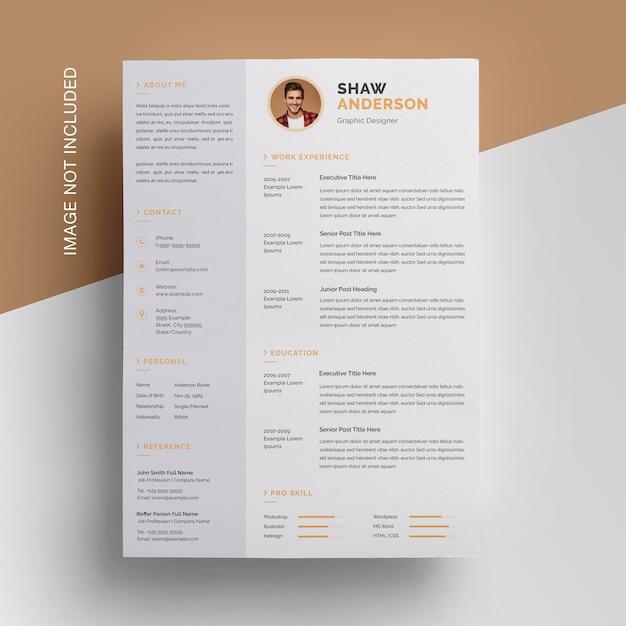 Design de currículo criativo com barra lateral Psd Premium
