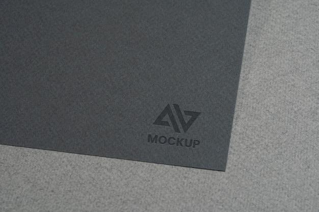 Design de logotipo de mock-up em cartões de visita Psd grátis