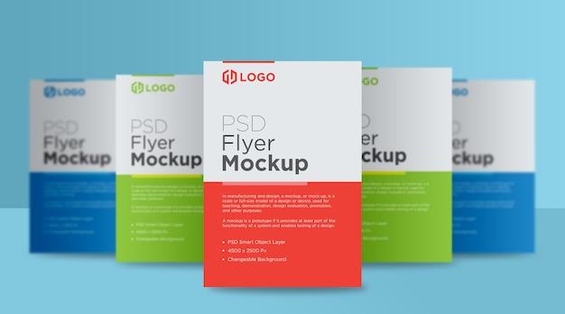 Design de maquete de cinco panfletos e pôster Psd Premium