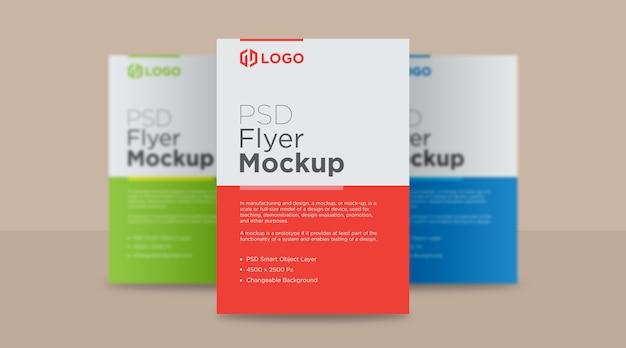 Design de mockup de três panfletos e pôsteres Psd Premium