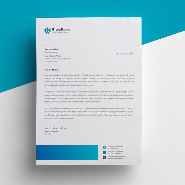 Design de papel timbrado simples e mínimo com acento em azul Psd Premium