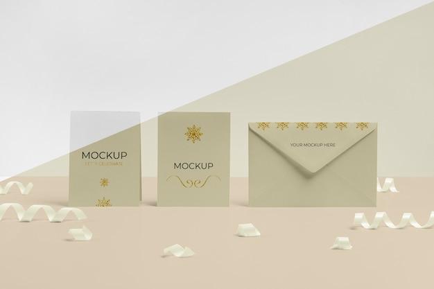 Envelope com maquete de cartão de convite vista frontal Psd grátis