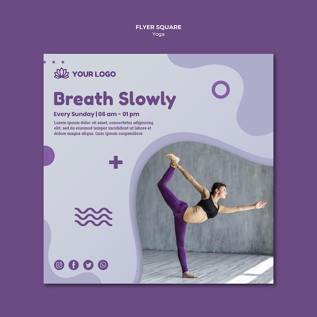 Estilo de panfleto quadrado de conceito de ioga Psd grátis